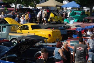 cluster-of-cars-portland-motor-club-toys-for-tots-2015-calendar-1